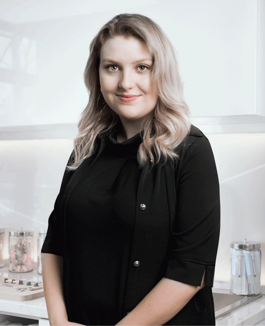 Justine Dubé, réceptionniste à la Clinique Chloé médico esthétique
